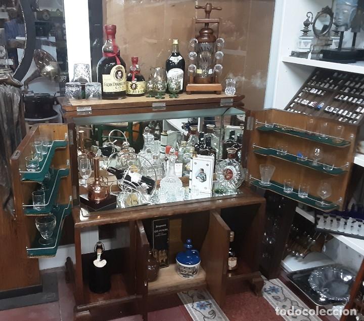 Antigüedades: Mueble bar. Años 40. Madera maciza. Maravilloso mueble para su salón o bodega. - Foto 2 - 179277490