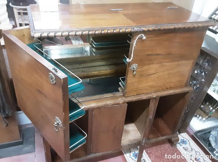 Antigüedades: Mueble bar. Años 40. Madera maciza. Maravilloso mueble para su salón o bodega. - Foto 5 - 179277490