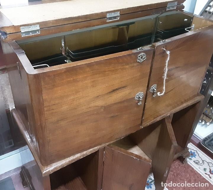 Antigüedades: Mueble bar. Años 40. Madera maciza. Maravilloso mueble para su salón o bodega. - Foto 10 - 179277490