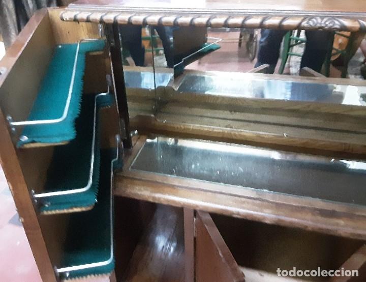 Antigüedades: Mueble bar. Años 40. Madera maciza. Maravilloso mueble para su salón o bodega. - Foto 20 - 179277490