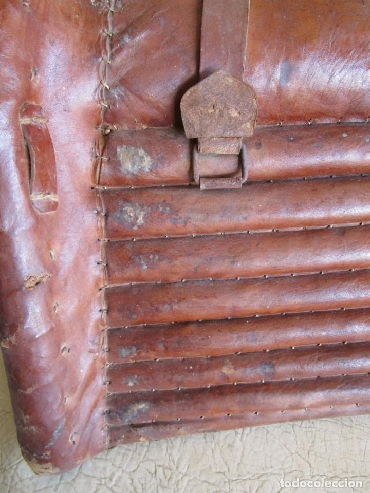 Antigüedades: antigua silla o montura de caballo - Foto 10 - 179318017