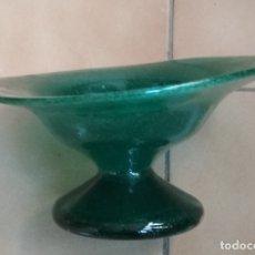 Antigüedades: FRUTERO DE CRISTAL TIPO OPALINA.POSIBLEMENTE CATALAN. Lote 179320920