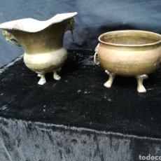 Antigüedades: 2 MACETEROS ANTIGUOS DE COBRE Y LATÓN. Lote 179330776