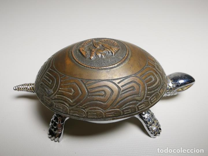 ANTIGUO TIMBRE TORTUGA SOBREMESA DESPACHO RECEPCION....MARCA BOJ.(EIBAR) A CUERDA (Antigüedades - Varios)