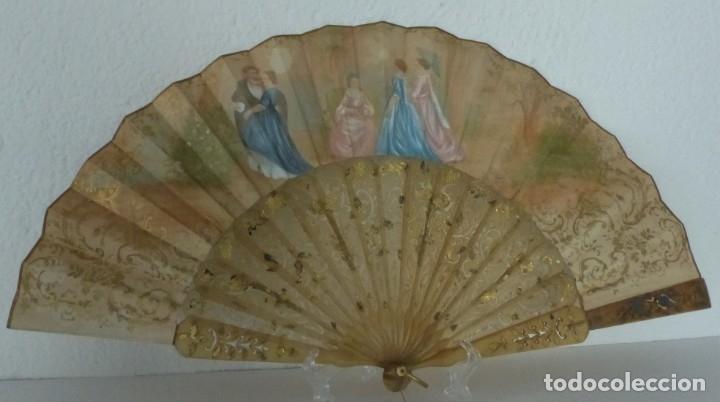 Antigüedades: ABANICO CON ABANIQUERA - ISABELINO - PAIS EN PAPEL LITOGRAFIADO Y PINTADO. - Foto 4 - 179339936