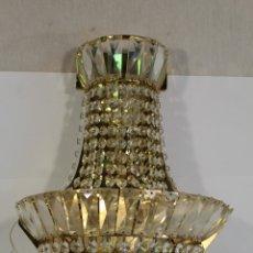 Antigüedades: APLIQUE DE CRISTALES. Lote 179375745