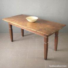 Antigüedades: ANTIGUA GRAN MESA CASTELLANA DE NOGAL ESPAÑA S XVIII CON EL SOBRE DE 2 TABLEROS ENTEROS . Lote 179379597