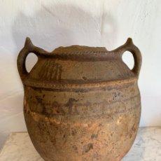 Antigüedades: ANTIGUO PUCHERO CON ASAS. Lote 179394117
