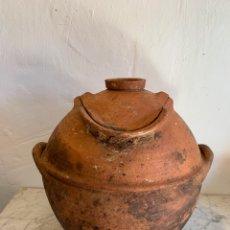 Antigüedades: ANTIGUA OLLA DE BARRO. Lote 179394632