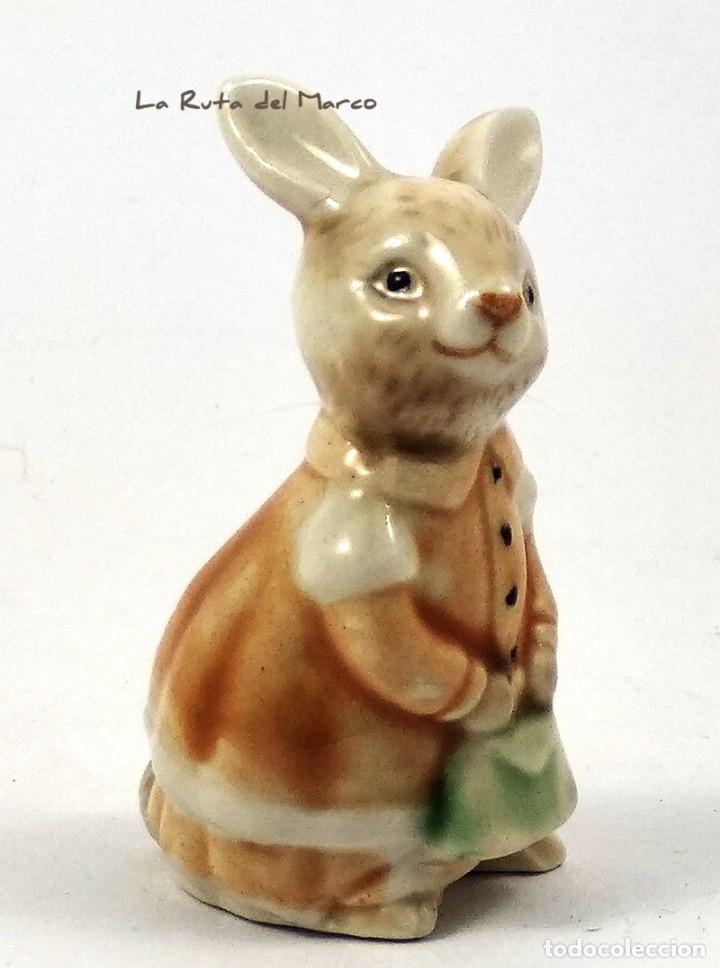 Antigüedades: Golden Rose Giftware - Conejita - Figura de porcelana - Pintada a mano - Alemania - Años 60 - Foto 2 - 179395320