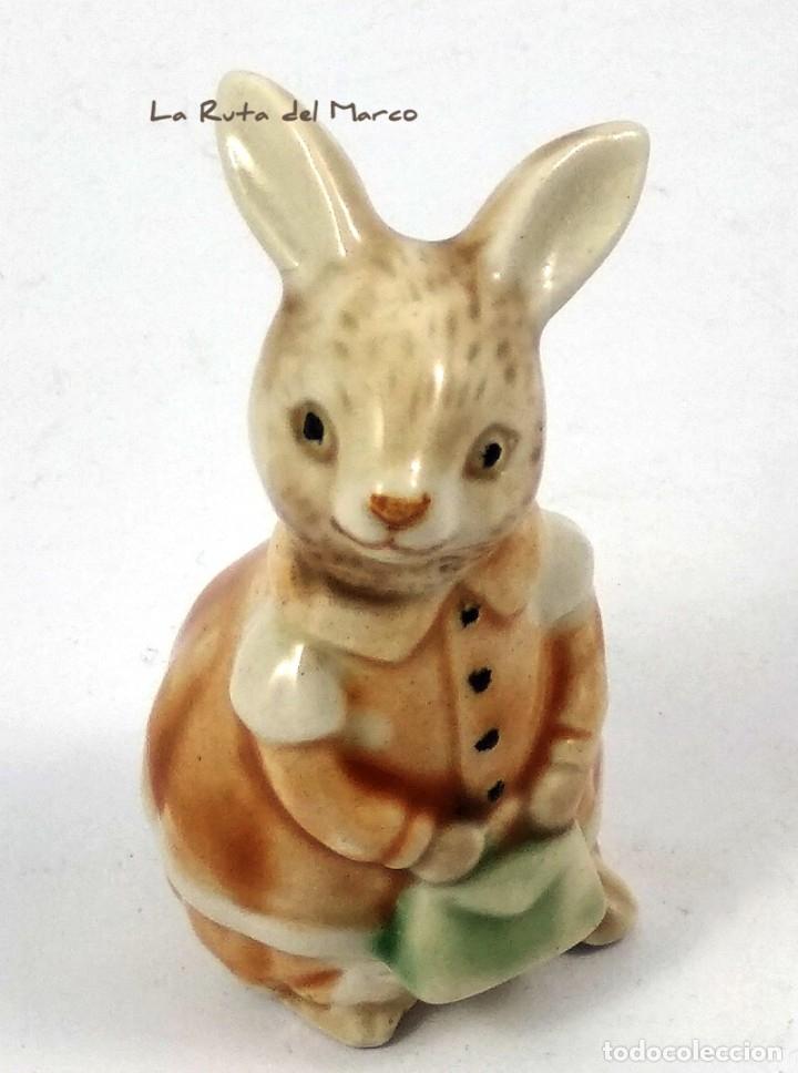 Antigüedades: Golden Rose Giftware - Conejita - Figura de porcelana - Pintada a mano - Alemania - Años 60 - Foto 8 - 179395320