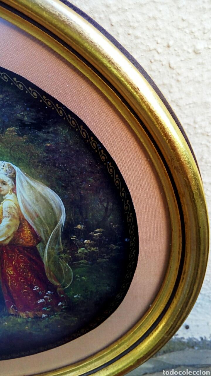 Antigüedades: Cuadro con litografia rusa. Marco de madera oval, decorado en pan de oro - Foto 4 - 179516852
