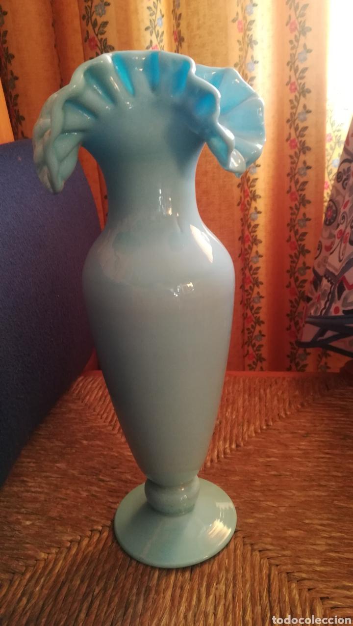 Antigüedades: Magnífico jarrón de opalina azul - Foto 2 - 179529828
