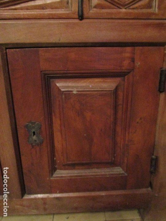 Antigüedades: Aparador, Bufet, Credencia - Madera de Nogal - Tiradores de Hierro - Ancho - 125 cm - - Foto 5 - 179944906