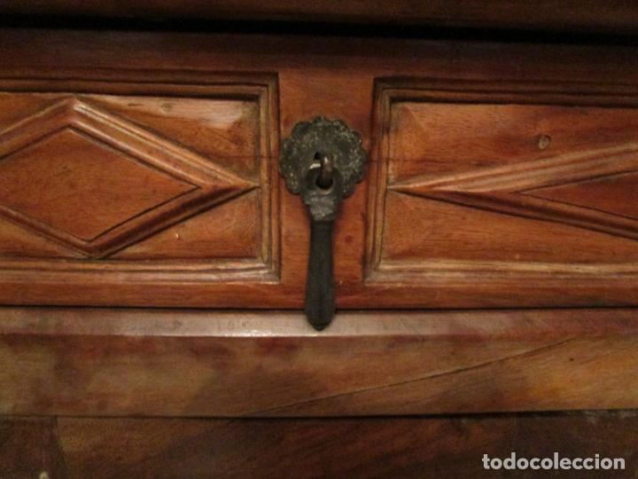 Antigüedades: Aparador, Bufet, Credencia - Madera de Nogal - Tiradores de Hierro - Ancho - 125 cm - - Foto 9 - 179944906