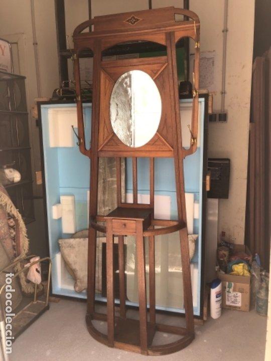 Antigüedades: Mueble gabanero antiguo modernista entrada perchero madera art deco - Foto 2 - 179950935