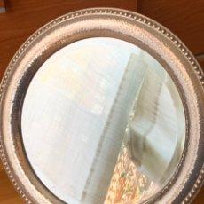 Antigüedades: BONITO ESPEJO EN PLATA CONTRASTADA. Lote 179985136