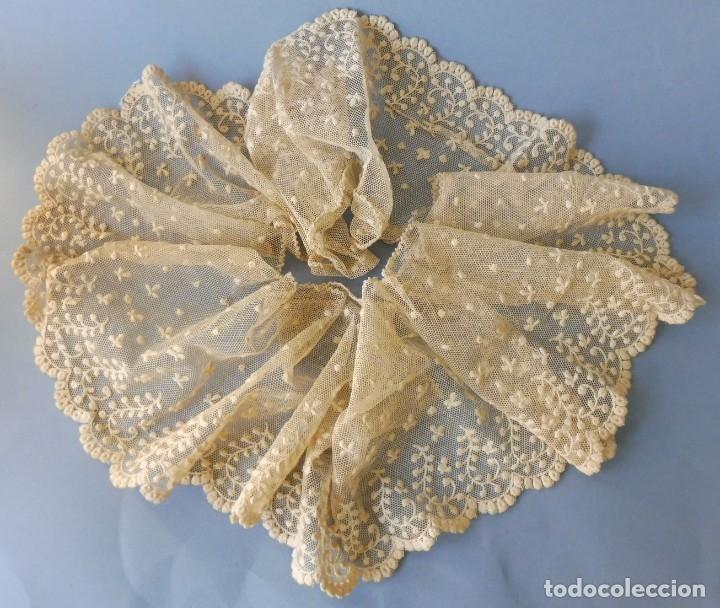 ANTIGUO BAJO DE ENCAJE S. XIX (Antigüedades - Moda - Encajes)