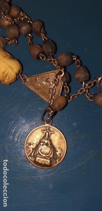 Antigüedades: ROSARIO SIGLO XVIII CON MUCHAS MEDALLAS Y CUENTA DE MARFIL CON CALAVERA Y LA FAZ DE CRISTO - Foto 13 - 180036888