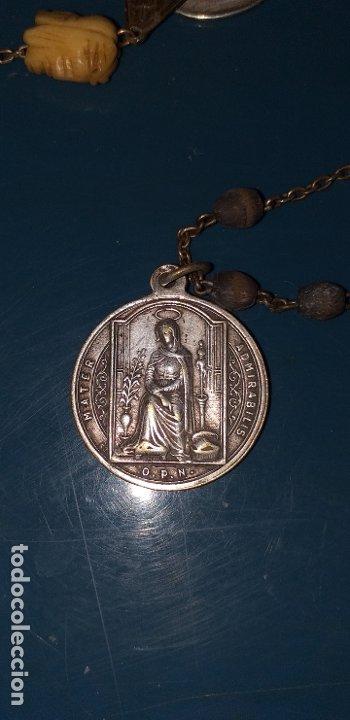 ROSARIO SIGLO XVIII CON MUCHAS MEDALLAS Y CUENTA DE MARFIL CON CALAVERA Y LA FAZ DE CRISTO (Antigüedades - Religiosas - Rosarios Antiguos)