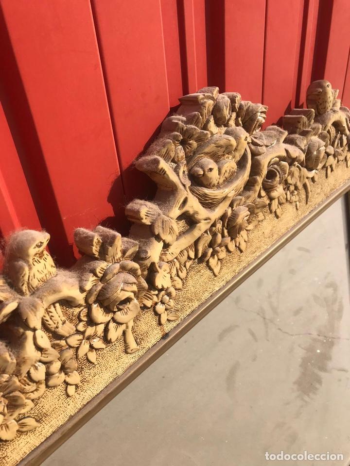 Antigüedades: Antiguo espejo de madera tallada con nidos de pájaros tallado a mano - Foto 2 - 180037570