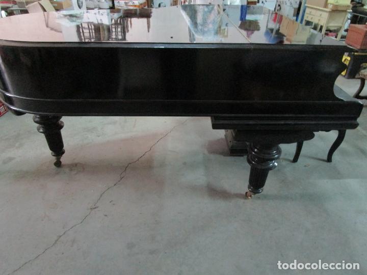 Antigüedades: Bonito Piano de Cola - Marca Chassaigne Fréres - Madera y Laca Negra - con Banqueta - Foto 8 - 180071485