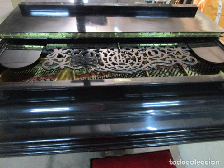 Antigüedades: Bonito Piano de Cola - Marca Chassaigne Fréres - Madera y Laca Negra - con Banqueta - Foto 27 - 180071485
