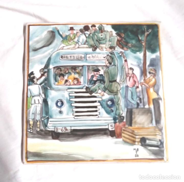 BUS COSTA BRAVA AZULEJO FIRMADO AUTOR ?? AÑO 1950, BUEN ESTADO. MED. 15 X 15 CM (Antigüedades - Porcelanas y Cerámicas - Azulejos)