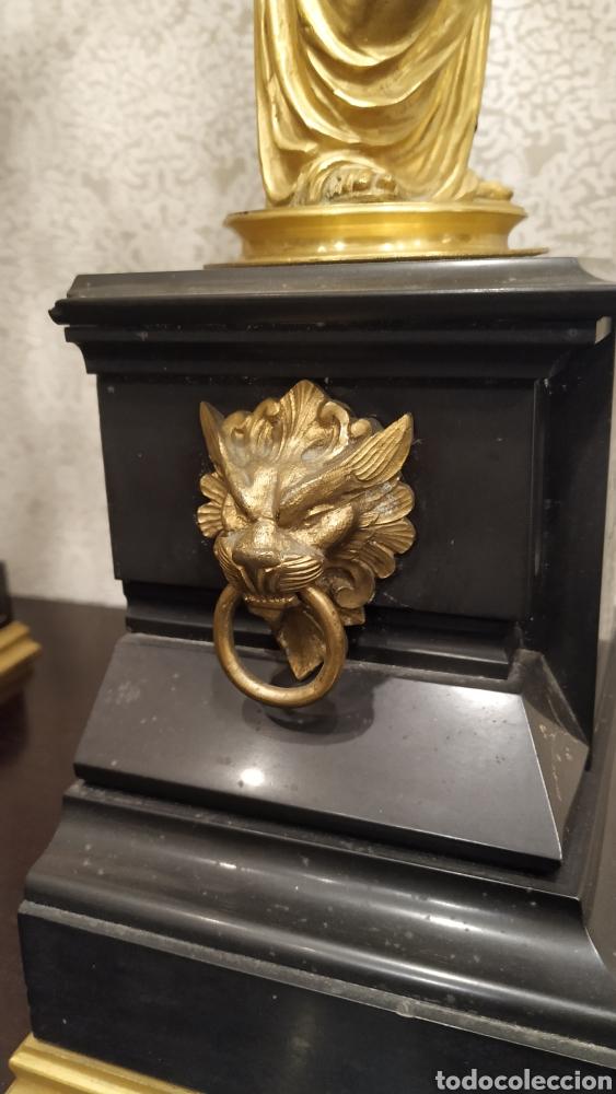 Antigüedades: Pareja de candelabros Imperio. Candelabros bronce antiguos. Francia siglo XIX. - Foto 8 - 180081517