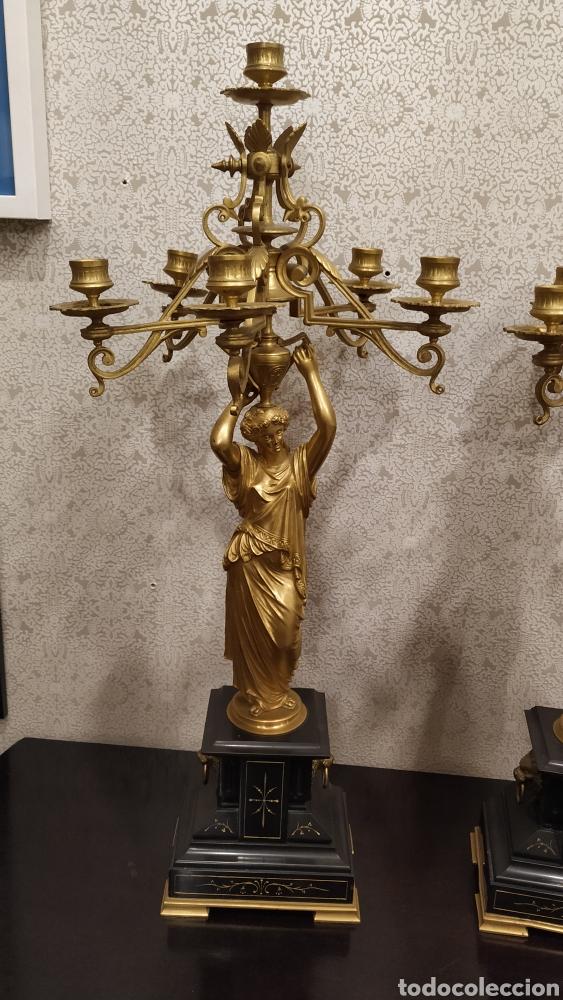 Antigüedades: Pareja de candelabros Imperio. Candelabros bronce antiguos. Francia siglo XIX. - Foto 10 - 180081517