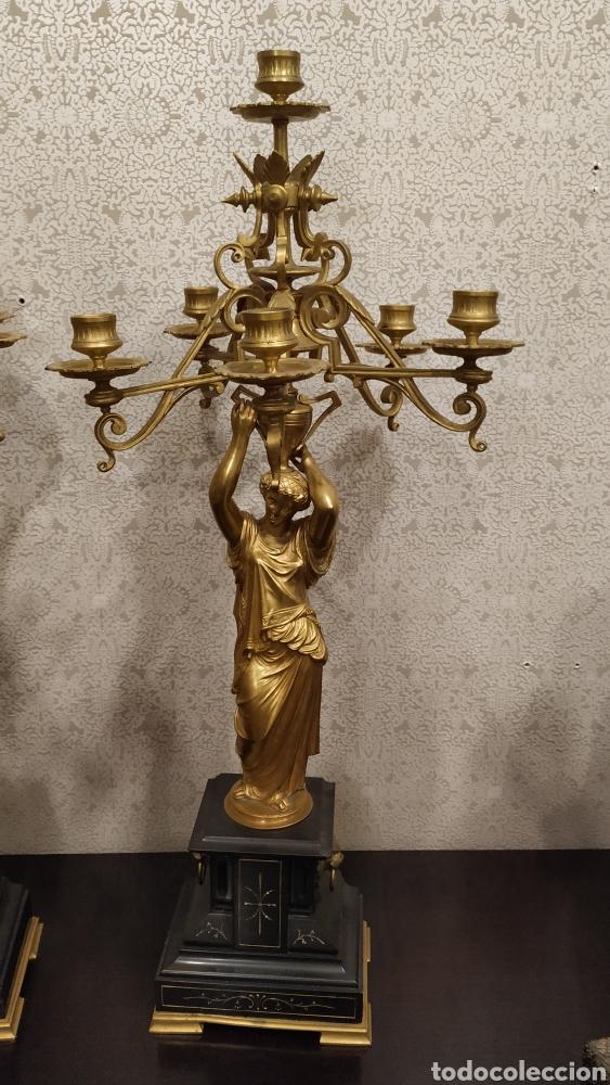 Antigüedades: Pareja de candelabros Imperio. Candelabros bronce antiguos. Francia siglo XIX. - Foto 11 - 180081517
