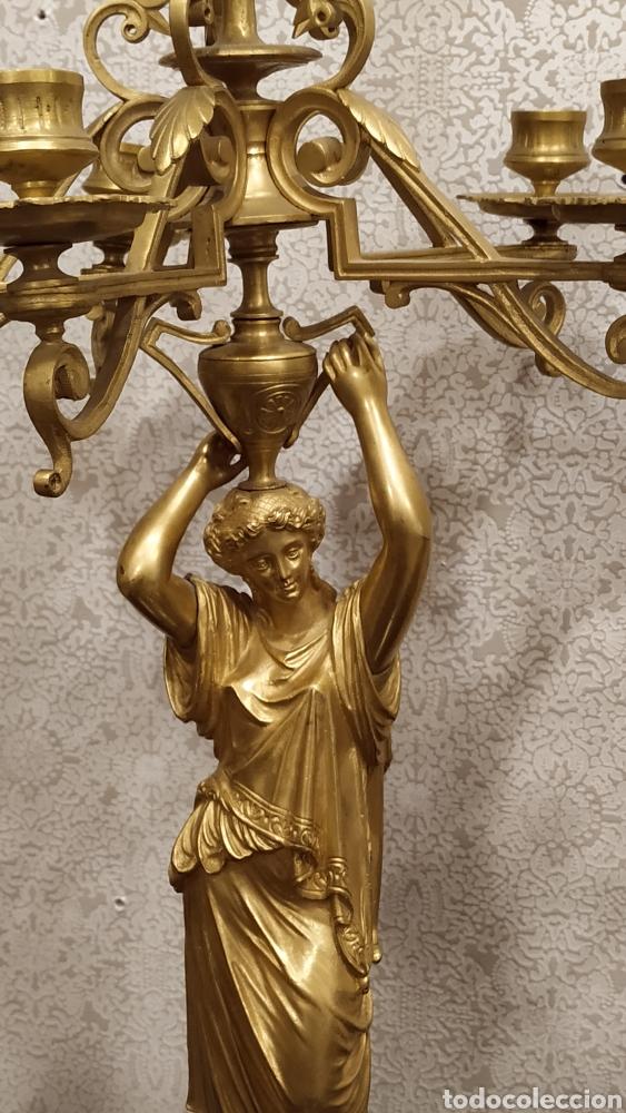 Antigüedades: Pareja de candelabros Imperio. Candelabros bronce antiguos. Francia siglo XIX. - Foto 12 - 180081517