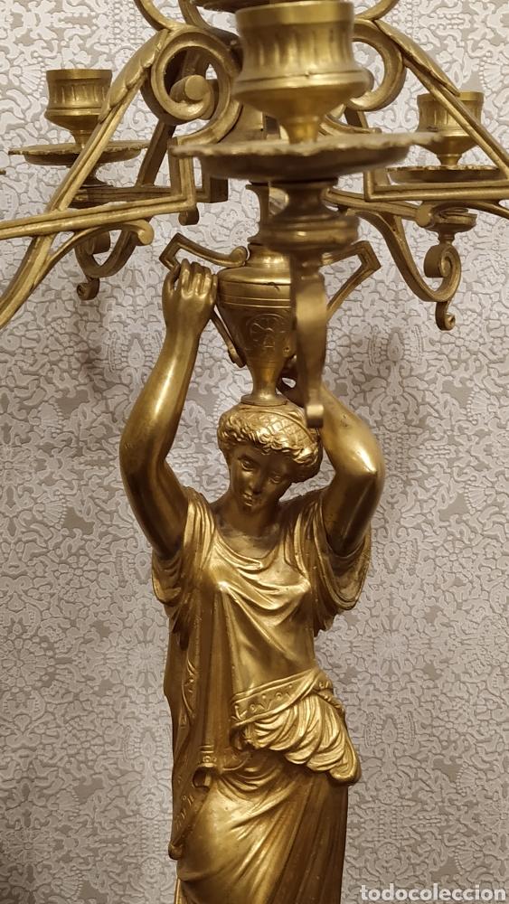 Antigüedades: Pareja de candelabros Imperio. Candelabros bronce antiguos. Francia siglo XIX. - Foto 14 - 180081517