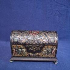 Antigüedades: CAJA COFRE CASTELLANO. Lote 180085168