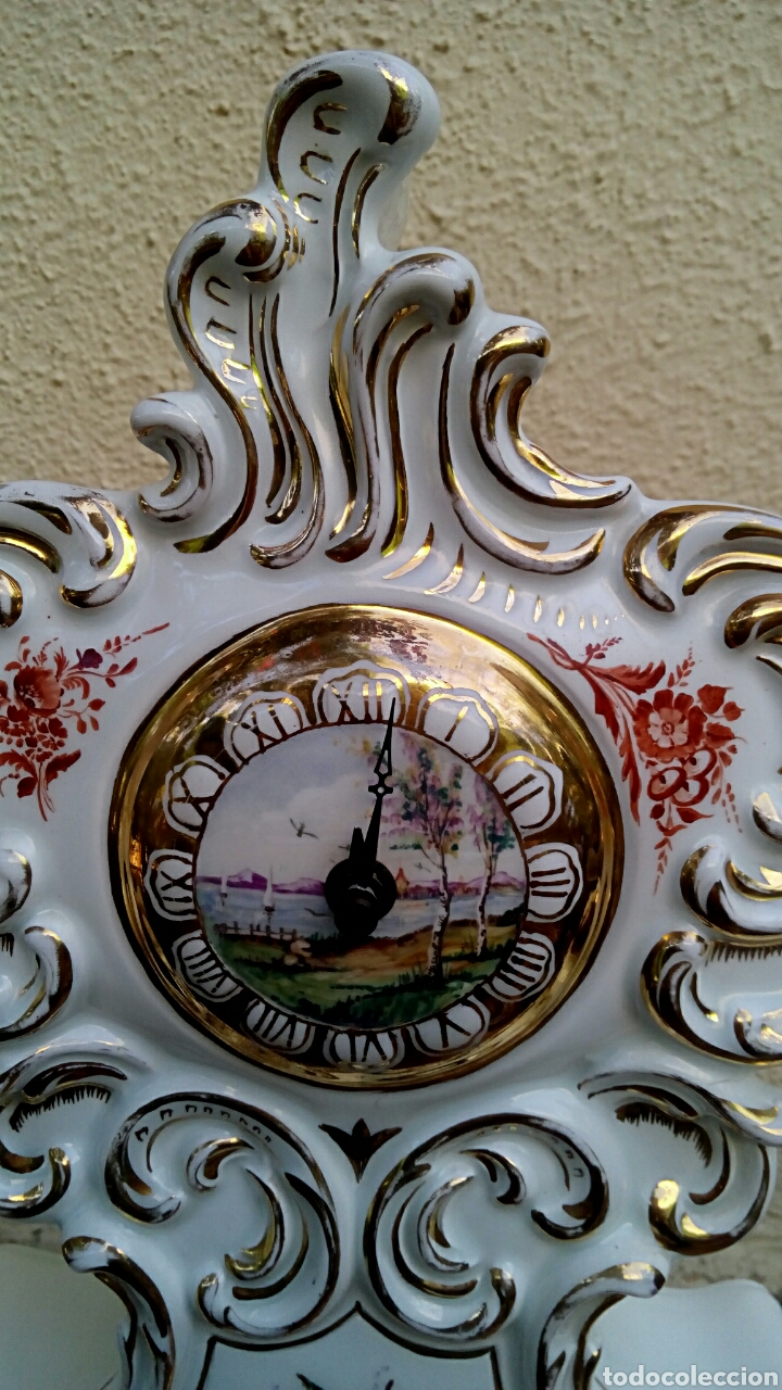 Antigüedades: Reloj isabelino - Viejo Paris. Decorado en cornucopia y oro de ley. Rematado con motivos florales. - Foto 3 - 180093218