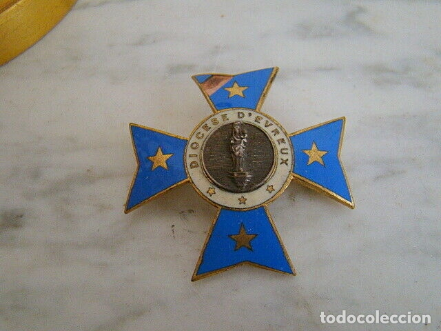 CRUZ ANTIGUA ESMALTADA DE LA DIÓCESIS DE EVREUX ( FRANCIA EURE 27) VIRGEN (Antigüedades - Religiosas - Cruces Antiguas)