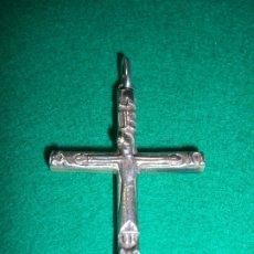 Antigüedades: CRUZ CRUCIFIJO TIPO ROMÁNICO EN PLATA DE LEY. Lote 180114082