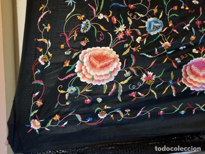 Antigüedades: Mantón Bordado a Mano Hermoso Vintage 156x152cm (410) - Foto 3 - 180116115
