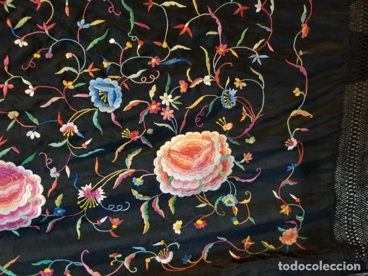 Antigüedades: Mantón Bordado a Mano Hermoso Vintage 156x152cm (410) - Foto 5 - 180116115