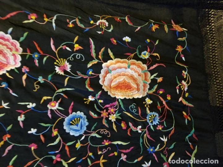 Antigüedades: Mantón Bordado a Mano Hermoso Vintage 156x152cm (410) - Foto 6 - 180116115