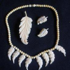 Antigüedades: CONJUNTO DE COLLAR, PENDIENTES Y ALFILER DE MARFIL. Lote 180123015
