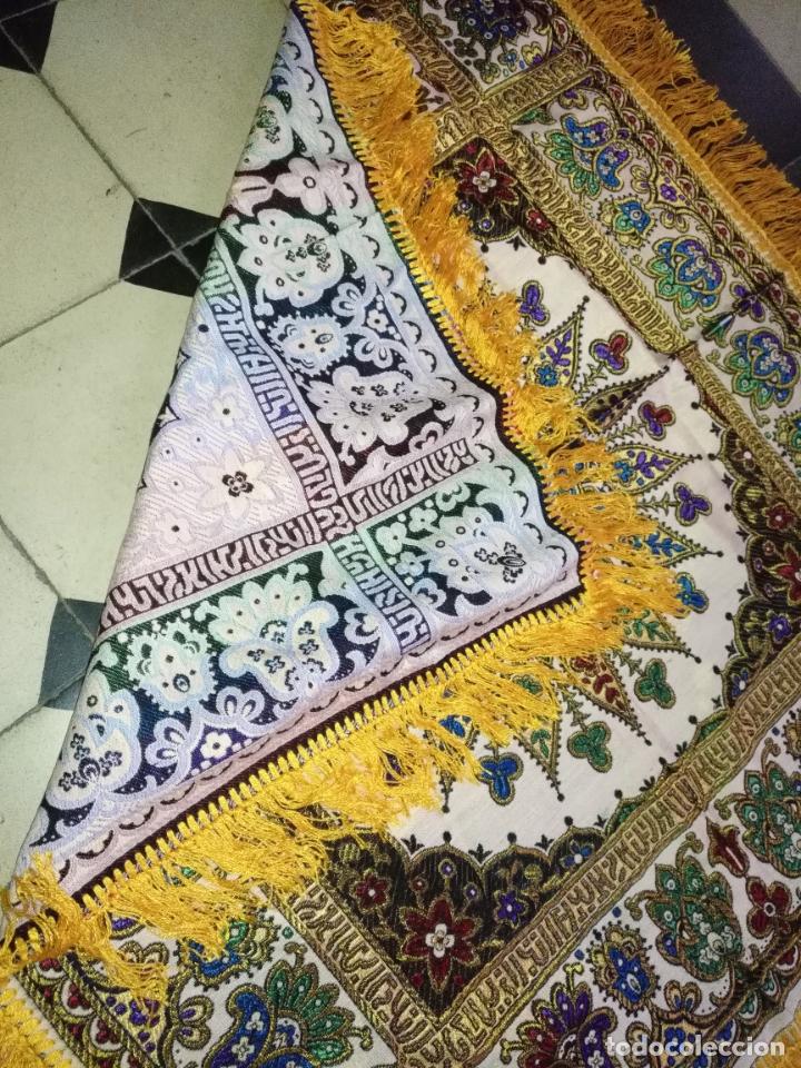 Antigüedades: precioso manton mantoncillo tipo tapiz sedina o seda y algodon traje tradicional 93 cm con flecos - Foto 6 - 180123433