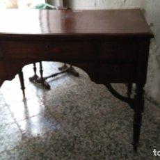 Antigüedades: MESA DE DESPACHO DE CAOBA.. Lote 180129455