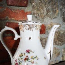 Antigüedades: CAFETERA DE PORCELANA FRANCESA. Lote 180146077