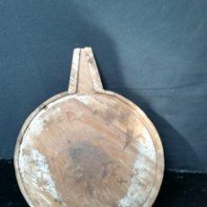 Antigüedades: ANTIGUA TABLA PARA HACER QUESO ( QUESERA). Lote 180152486