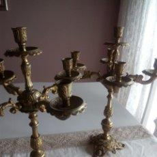 Antigüedades: PAREJA DE CANDELABROS. Lote 180155623