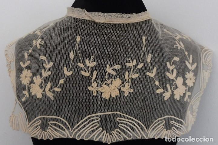ANTIGUA CAPELINA DE ENCAJE S. XIX (Antigüedades - Moda - Encajes)