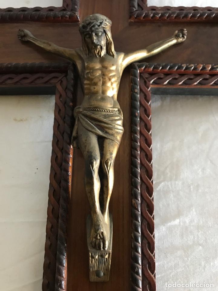 Antigüedades: Crucifijo jesucristo madera y laton - Foto 3 - 180160460