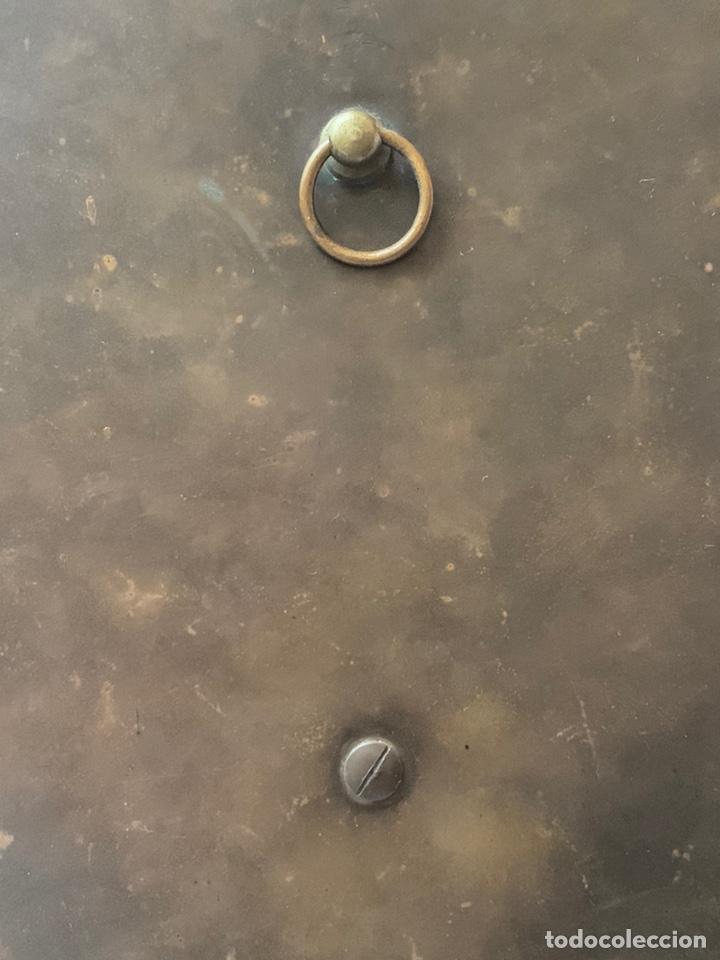 Antigüedades: Magnífica Benditera en Bronce, alabastro, cloisonné y porcelana pintada, principios de s.XX - Foto 5 - 180166785
