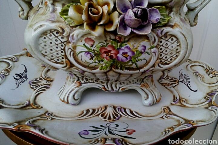 Antigüedades: Importante centro de mesa. Sopera con bandeja. Ceramica de Manises con epoca. - Foto 3 - 180167160